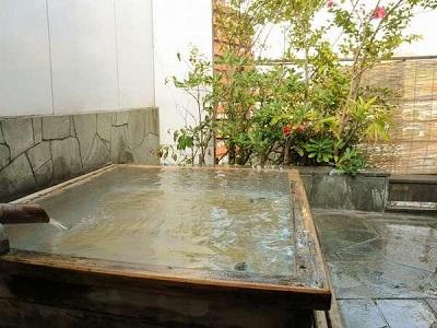 小松家八の坊 露天風呂