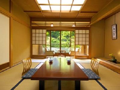 青巒荘 客室