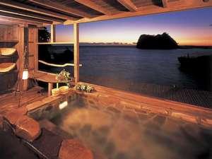 海辺のかくれ湯清流 露天風呂